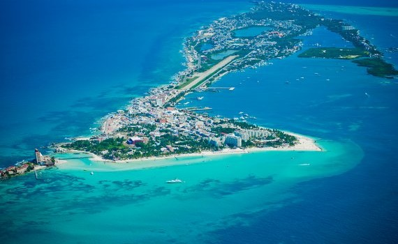 The difference between Isla Mujeres and Isla Holbox