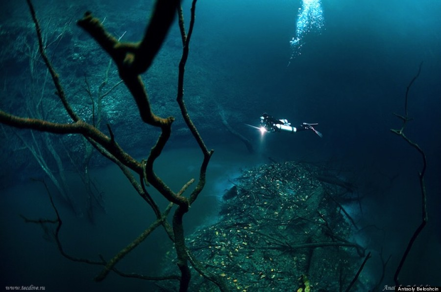 o-UNDERWATER-RIVER-22